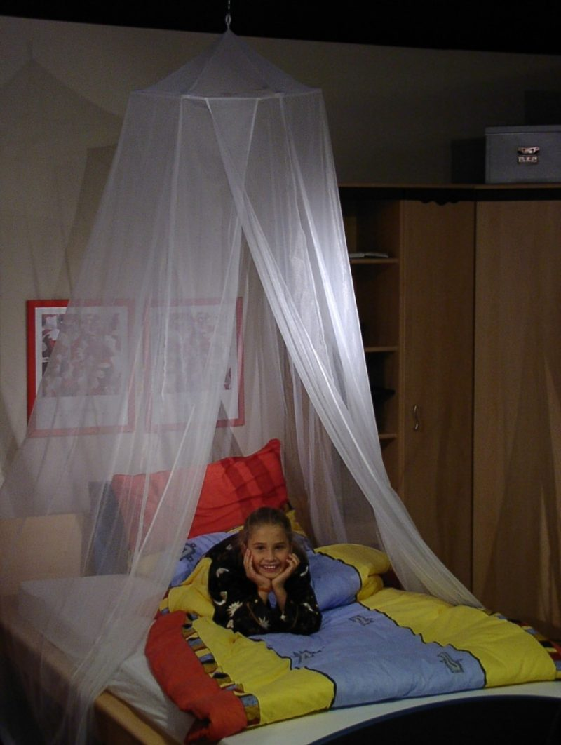 Stralingswerende klamboe voor éénpersoonsbed