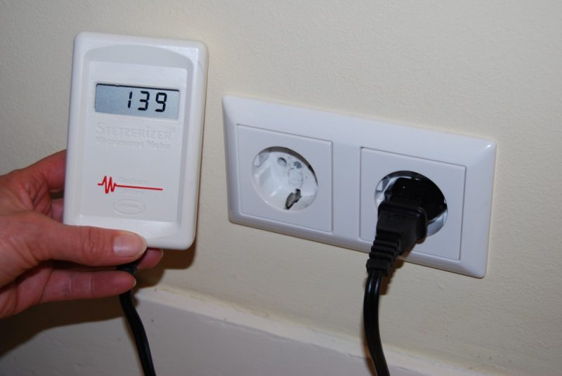 Stetzerizer microsurge meter measures dirty electricity